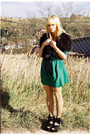 Dark-green-vintage-dress-black-zara-vest-camel-koloria-tights-bubble-gum-u