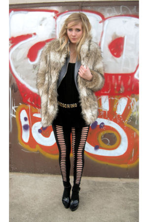 h&m via thrift town coat - h&m via thrift town jacket - Vintage Moschino belt -