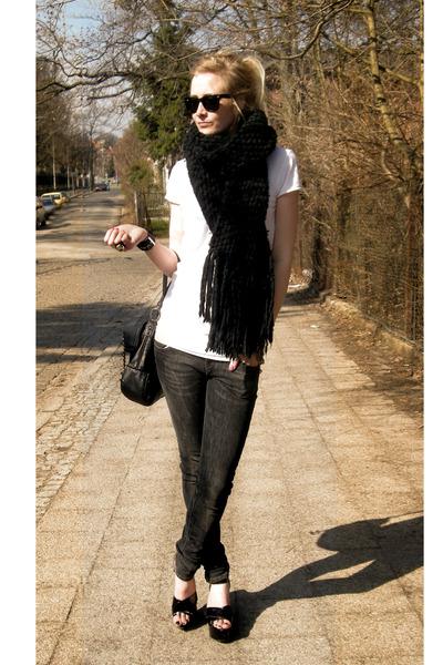 black glasses - black shoes - black jeans - black scarf - black bag