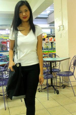 sling bag Havaianas bag - jeggings Pickled and Peppered leggings - Mental shirt