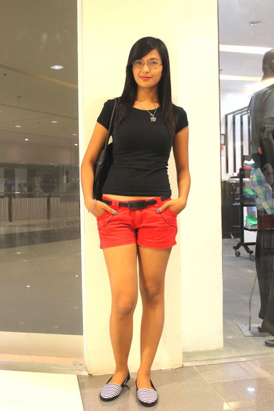 Black Fit Shirt Mental Shirts, Red Shorts Thrift Store Shorts ...