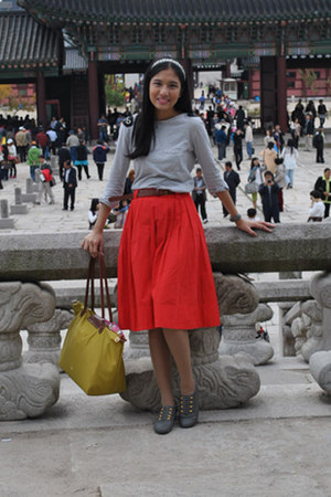 red H&M skirt - mustard longchamp bag - gray padded beads Zara top