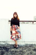 brick red Romwecom skirt - black H&M sweater - sm parisian flats