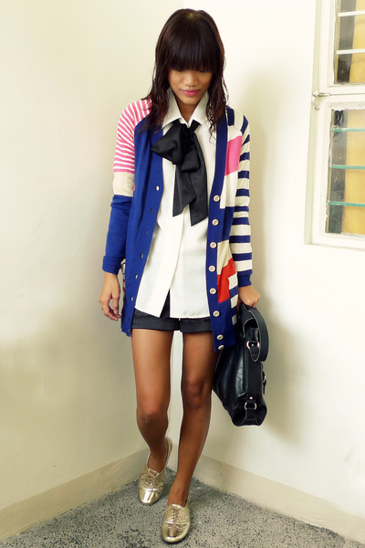 white vintage shirt - black fabmanilamultiplycom bag - black Forever 21 shorts