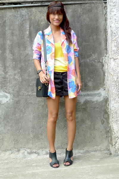 thrifted blazer - yellow Piper & Blue top - Forever 21 shorts - versace accessor