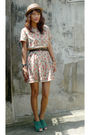 Beige-vintage-dress-black-from-vietnam-belt-green-bought-online-shoes-gold