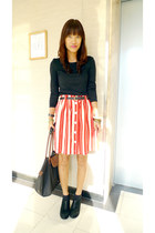 black I forgot top - red Vintage altered skirt - black Chickflick wedges
