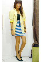 yellow vintage blazer - Archive Clothing skirt - black H&M top - black