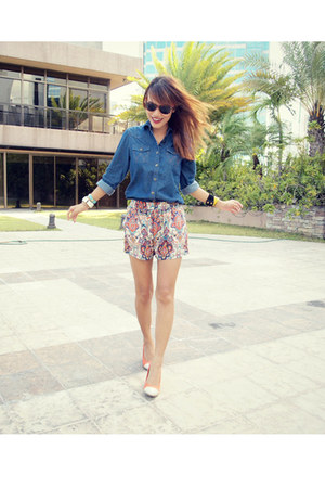 carrot orange sabrina shorts - navy Wrangler shirt - carrot orange So FAB wedges