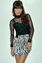 black Archiveclothingmultiplycom top - black random from bazaar skirt - black H&