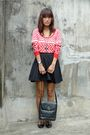 Red-archive-clothing-top-black-frome-dept-store-skirt-black-millies-shoes-