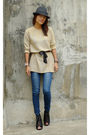 Gold-vintage-blouse-blue-so-fab-jeans-black-chickflick-shoes