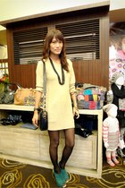 light brown vintage dress - teal daintyshop heels - black versace bag