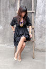 Black-h-m-dress-beige-pumps-shoes-gold-accessorize-accessories