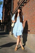 light blue Monki shirt - ivory leather vintage bag