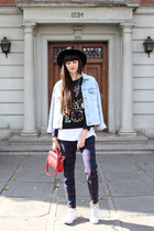 white cotton Oysho t-shirt - sky blue oversized denim vintage jacket