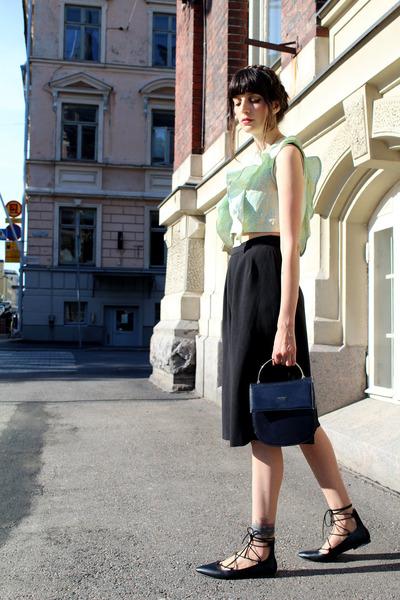 light blue pure cotton pazhalabirodriguezcom top - black purse vintage bag