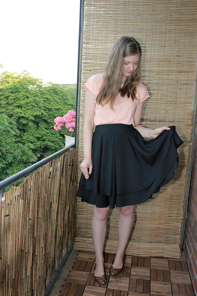 black Carousel skirt - peach Cubus shirt - burnt orange H&M flats