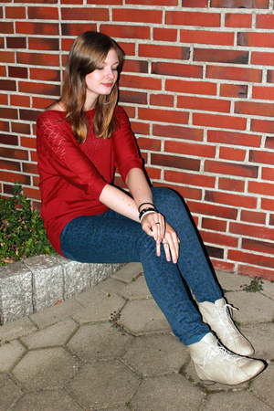 blue Mango pants - ivory grtz boots - brick red suiteblanco jumper