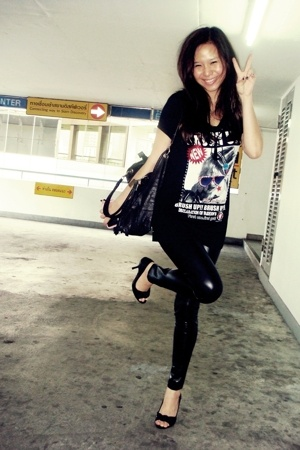 t-shirt - forever 21 leggings