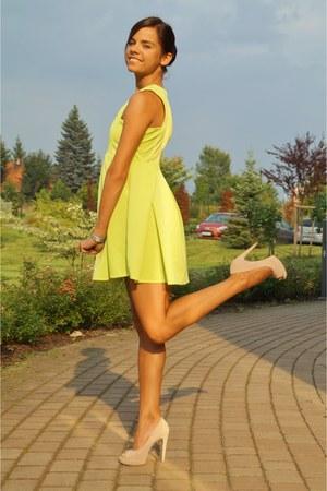 chartreuse OASAP dress - eggshell Mango heels - chartreuse deja vu watch
