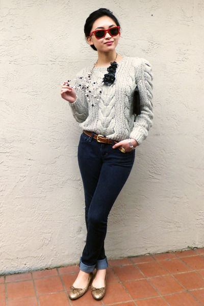 Rebecca Taylor sweater - Joes Jeans jeans - Marc Jacobs bag - Ray Ban sunglasses