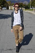 black black boots Dr Martens boots - dark khaki boyfriend jeans Old Navy pants