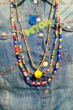 beaded petqa necklace