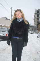 black pull&bear pants - black BSB coat - black BSB gloves - blue Pinkie scarf -