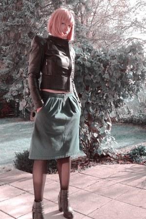 dark green upper palatinate rocks skirt