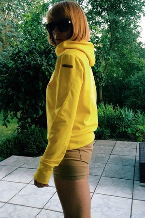 yellow jersey upper palatinate rocks hoodie
