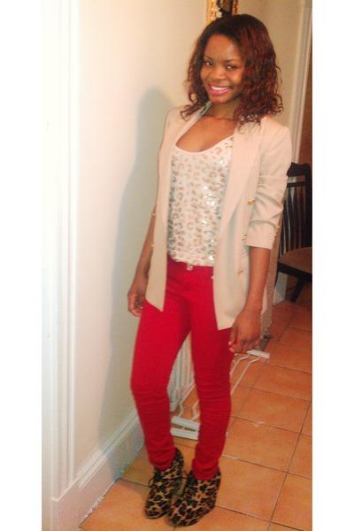 brown leopard print wedges - tan Zara blazer - tan shirt - ruby red pants