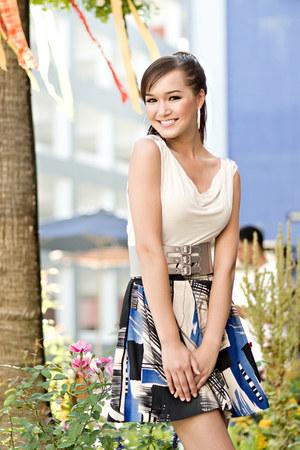 Forever 21 skirt - Forever 21 blouse - Bebe2b belt