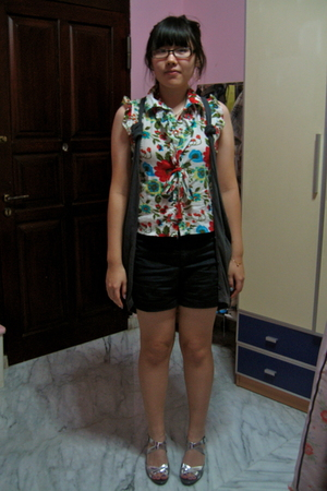 Magnolia top - Hong Kong vest - Gap pants - Charles &amp; Keith shoes