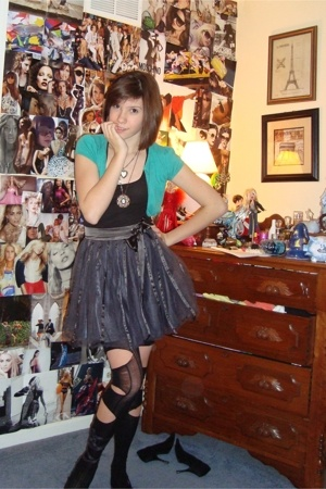 forever 21 skirt - American Eagle top - H&M sweater - forever 21 tights - adidas