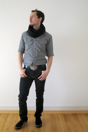H&M scarf - castro shirt - Levis belt - H&M jeans - DC shoes