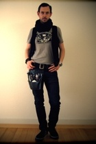 H&M scarf - H&M vest - aussiebum t-shirt - G-Star belt - H&M jeans - DC shoes