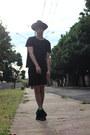 Black-velvet-asos-hat-black-street-style-urban-outfitters-shorts