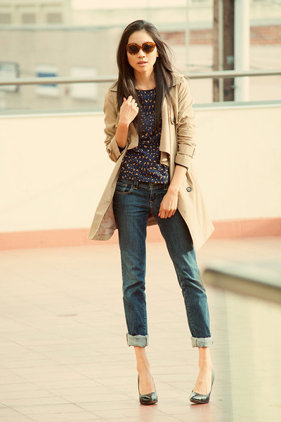 brown Zara top - blue Old Navy jeans - black Via Spiga heels