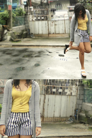striped landmark shorts - gray landmark cardigan - bronze Greehills accessories
