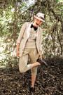 Beige-buffalo-exchange-hat-beige-fitted-ann-taylor-blazer