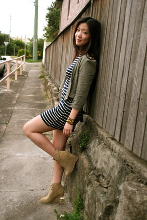 blue cotton on dress - green another jacket - beige Sportsgirl shoes