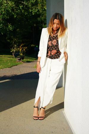 white blazer BCBG blazer - tulip Zara pants