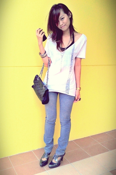 DIY shredded tee - new future gray jeans - melbourne bag - cut out oxfords from