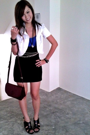 Target Australia blue top - Ice bandage skirt - black strappy shoes - dug out pe