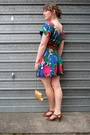 Red-vintage-dress-brown-wild-pair-shoes-gold-thrifted-belt-brown-glassons-