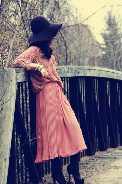 pink H&M shirt - dark brown H&M hat - pink American Apparel jumper