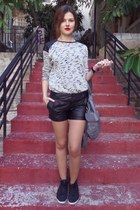 black pink woman shorts - heather gray H&M bag - silver pull&bear blouse