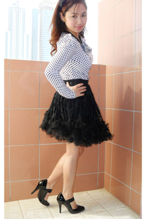 black new look shoes - black lace Forever 21 skirt - polka dots Splash blouse -