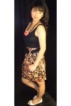 white Shoe Mart in Dubai Mall shoes - black floral print Pull and Bear dress - p